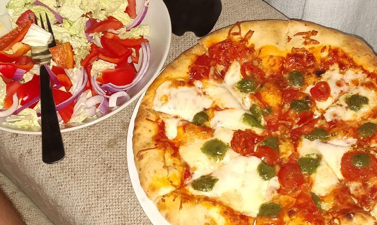 pizza-+-sallad